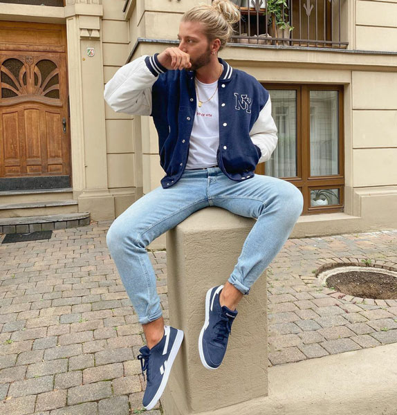9 Men's Outfits with Light Blue Jeans