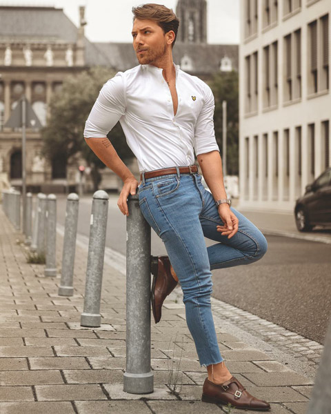 What Shoes to Wear with Light Blue Jeans
