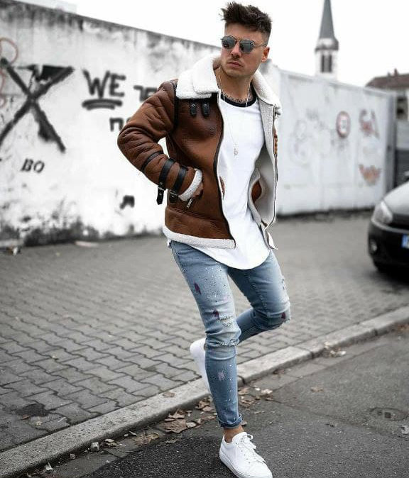 What to Wear with Light Blue Jeans Men